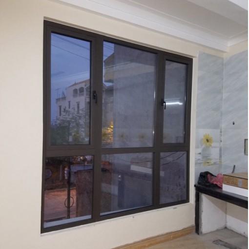 VNS01: Vách kết hợp cửa sổ mở hất nhôm Xingfa cao cấp