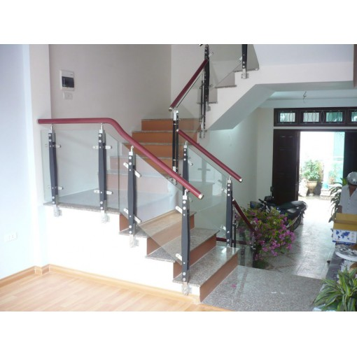 LCCTK04: Lan can cầu thang kính tay vịn gỗ