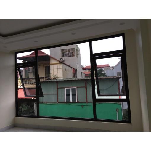 Vách kính cố định kết hợp với cửa sổ mở hất